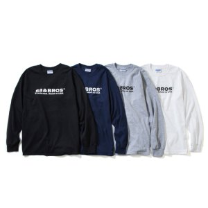 Color : 左からBlack、Navy、Ox、White の4色展開。